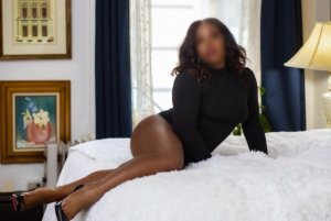 Dafne live escort in Capitola California
