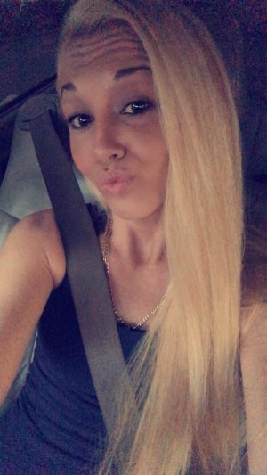 Junie escort girl in Altamonte Springs