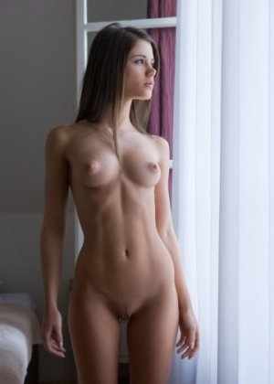 Ghizlane escorts