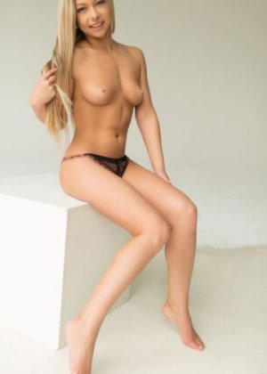 Carla-maria independent escorts