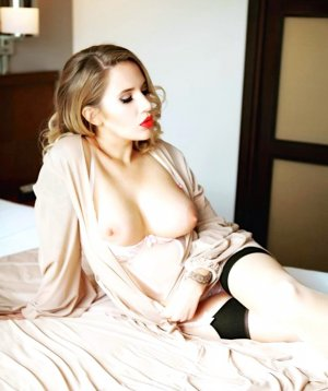 Annie-thérèse independent escorts